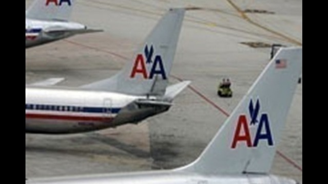 American Airlines challenges claim that 'passed gas' forced flyers off plane