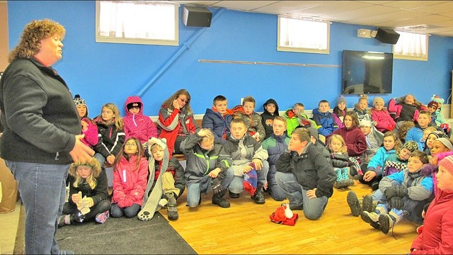 Mexico Elementary students give back to local food pantry