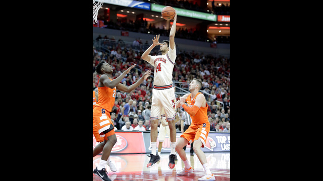 College basketball: Mitchell, No. 7 Louisville lower boom vs. Syracuse