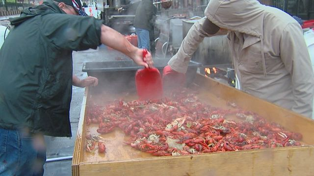 Crawfish festival organizers looking to unload leftover crawfish