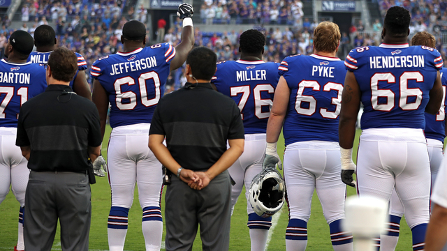 Bills' Jefferson raises fist in apparent protest before Thursday's game
