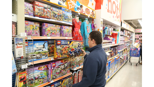 Report: Toys R Us could file for bankruptcy before the holiday season