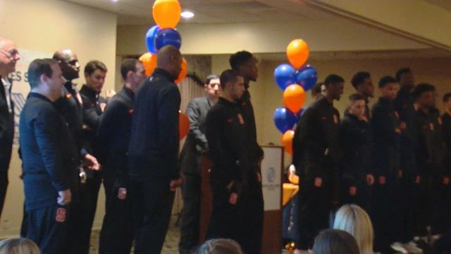 SU men's basketball team mingles with fans for a good cause