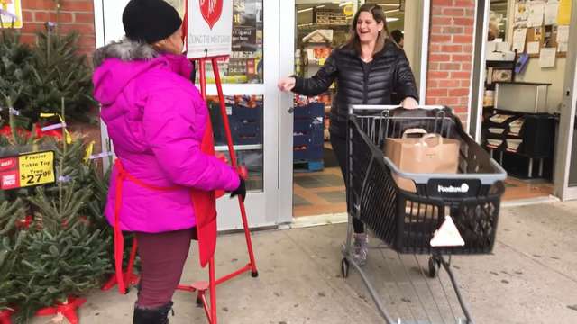 Holiday shopping for a worthy cause: Consumer Reports