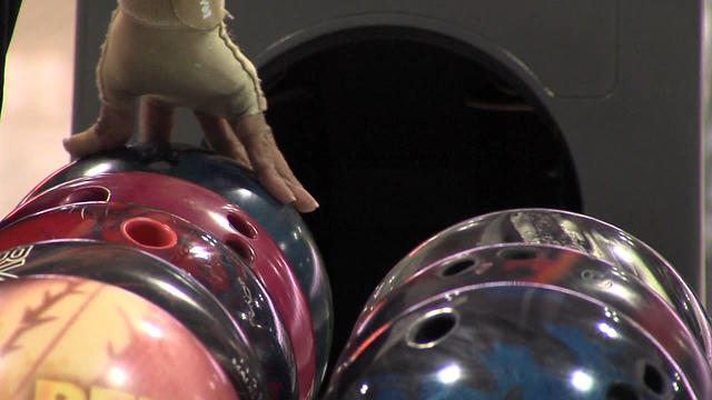 Crews prepping Syracuse's Oncenter for huge bowling tourney
