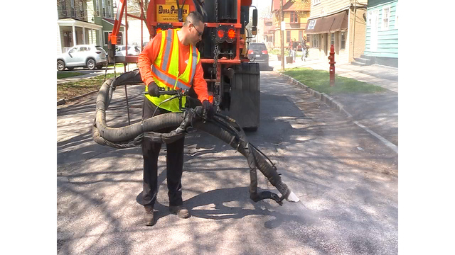City of Syracuse DPW crews busy filling potholes this spring